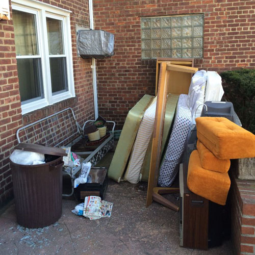 Mattress and Box Spring Pick Up & Removal (NYC) on